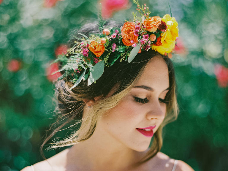 Enjoy Hawaii's Most Popular Flowers & Learn How To Wear Them