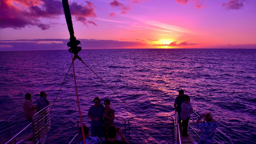 napali-coast-kauai-hawaii-sunset-cruise-1